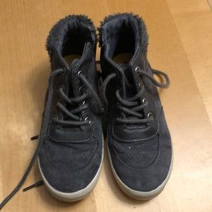 Shoes- high top style